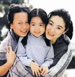 林青霞的继女是个独立的女孩,但跟林青霞关系并没有媒体报道中那么好。