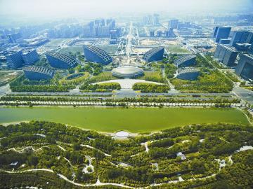 2011年4月,成都金融城天府国际金融中心鸟瞰.视觉四川资料图片