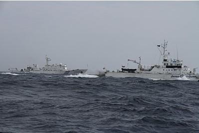 日媒公布中国海监追击日渔船照 称时长史无前例