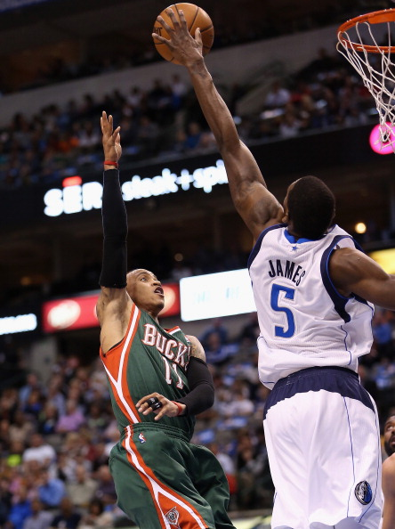 詹宁斯 艾利斯 德克/图文:[NBA]小牛负雄鹿艾利斯出手
