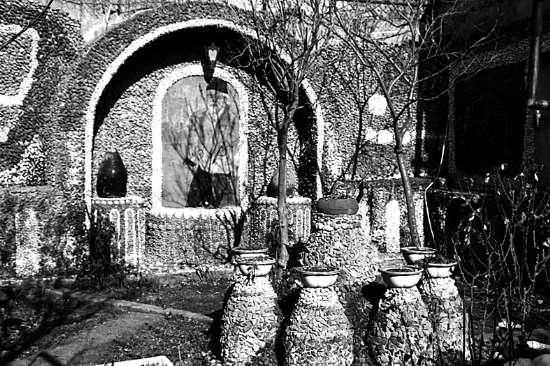 亚美尼亚愚公 手工挖出 地下宫殿