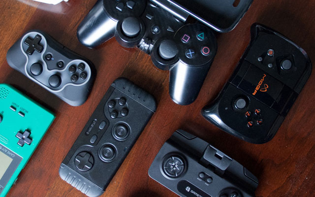 厌倦触屏玩游戏了吗?5款手机游戏手柄详细解析