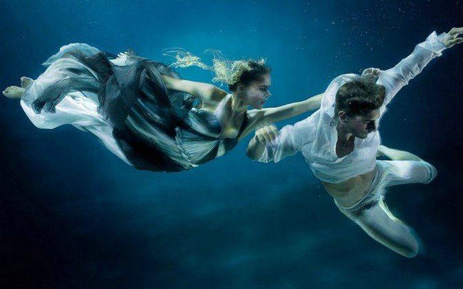 梦见水中行走呢啥意思