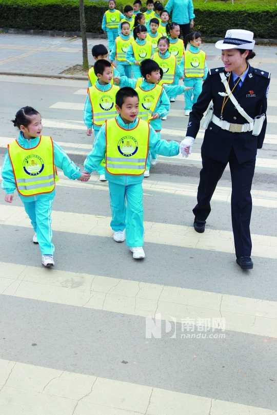 江门首个儿童交通安全教育基地启用(图)