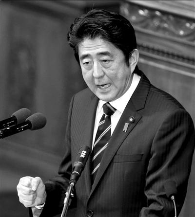 2月28日,安倍晋三在众议院全体会议上发表施政演说。图/东方IC