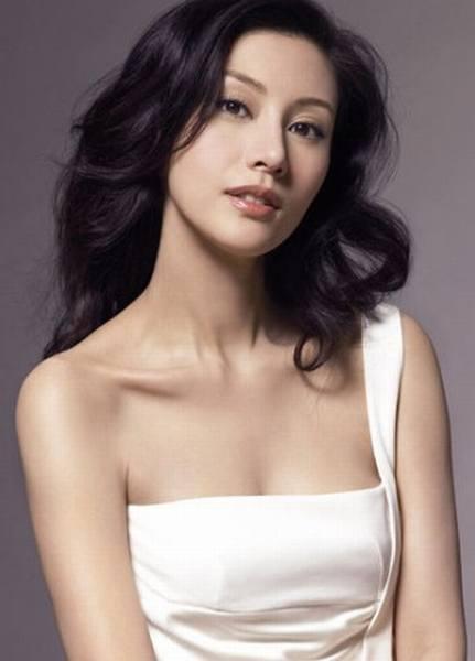 李嘉欣年轻照片-混血女星美妆PK 昆凌张柏芝最美