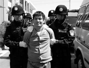 3月1日,糯康等湄公河案四名罪犯在云南昆明被押赴刑场执行死刑 新华社发