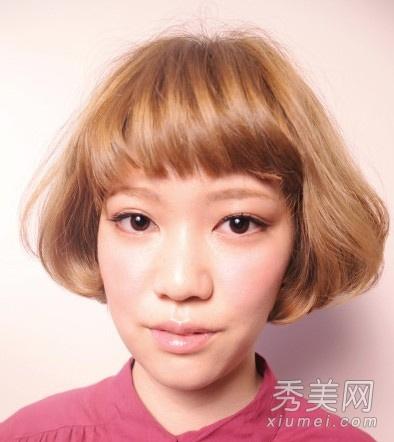 蓬松修颜短卷发圆脸适合的短发发型图片