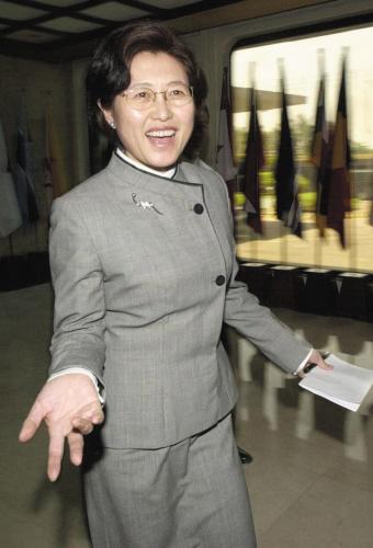 傅莹经验是外交为主,这次谈中国内政问题