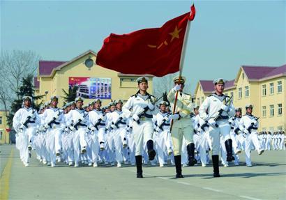 他们中,既有执行庆祝海军成立60周年多国海军活动任务的仪仗方队,又有