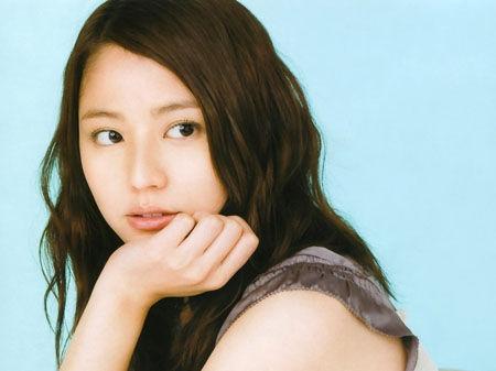报道称,长泽雅美曾先后与岚成员二宫和也及exile成员akira拍拖.图片