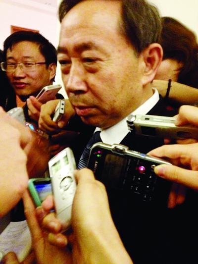 教育部部长袁贵仁。