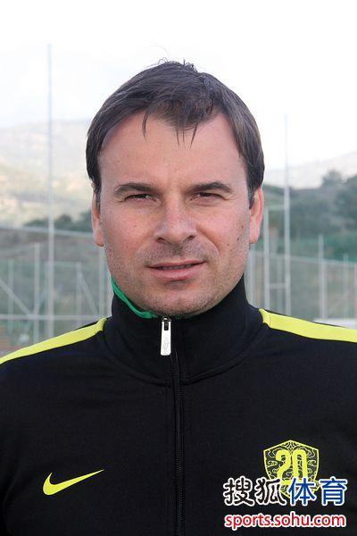 主教练斯塔诺耶维奇