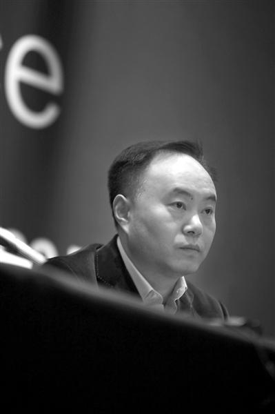 """尚德董事长施正荣称被""""非法""""免职"""
