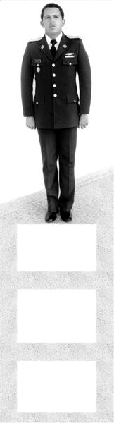 ?1982年查韦斯在委内瑞拉加拉加斯晋升上尉时拍摄的照片。