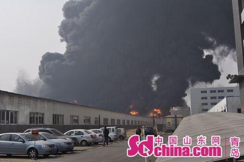 青岛/青岛尚世通物流有限公司在黄岛保税区的黄海仓库发生火灾
