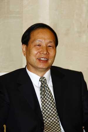 人大代表、国家民委副主任吴仕民。资料图