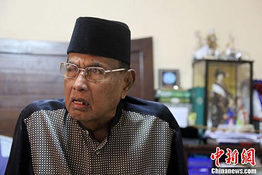 3月8日,苏禄苏丹贾马鲁尔・基拉姆三世在位于菲律宾首都大马尼拉地区塔义格市住所中接受中新社记者采访时表示,已下令在马来西亚沙巴州的支持者留在原处,不要发动任何攻击。中新社发 张明 摄