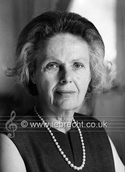 德国指挥家威廉·富特文格勒遗孀、出版回忆录《关于富特...