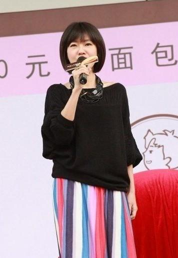 最赚钱女王_小S成台湾最赚钱女王 综艺女天王一年收入8千万-搜狐娱乐