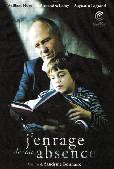 《移情失控》 美国人雅克为了埋葬父亲回到法国,期间了解到前妻已经嫁人并有一个七岁的儿子保罗。