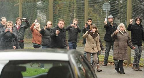 黑镜S0202 白熊 白熊正义公园 正义的围观审判者 暴风看电影 暴风影音