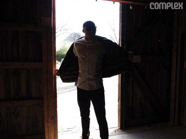 近日雷霆队后卫威斯布鲁克登上《Complex》杂志,为杂志拍摄了一