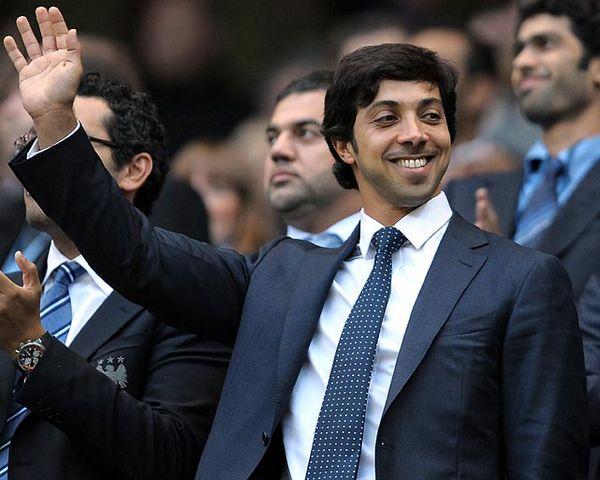 36 曼苏尔:曼城老板 曼城的阿联酋老板曼苏尔排在第36位.曼苏尔在