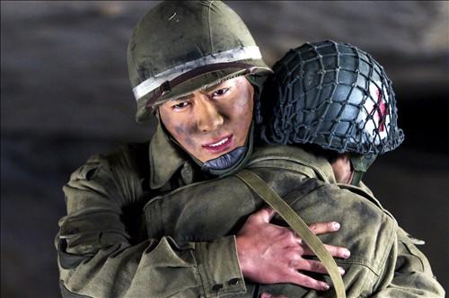 电视搜狐在线讯据悉,由著名导演马鲁剑抗战的执导黄金戏《绝战》史诗瞳电视剧娱乐看雅酷图片