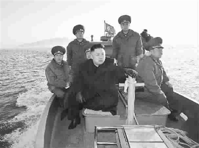 金正恩前往西部海防岛屿视察