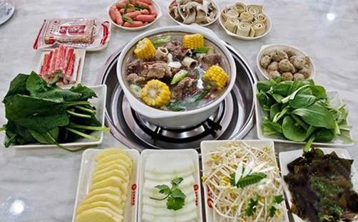 王阿婆 骨煲时尚养 生理念 引领另类火锅热潮(组图)