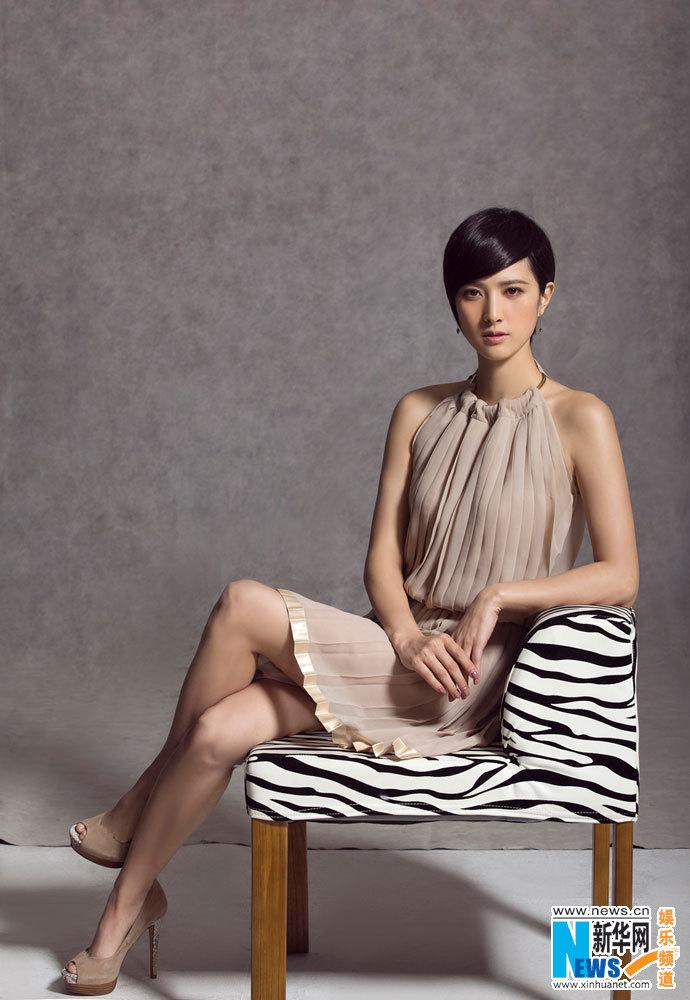 图:隋俊波最新裸色裙装写真 清雅柔和小露性感