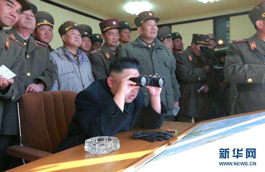 金正恩到场指导炮兵实弹射击训练