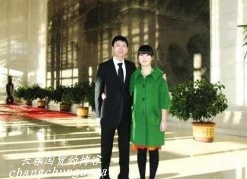 冯小刚与前妻23岁女儿清纯私房照曝光(图)-搜狐
