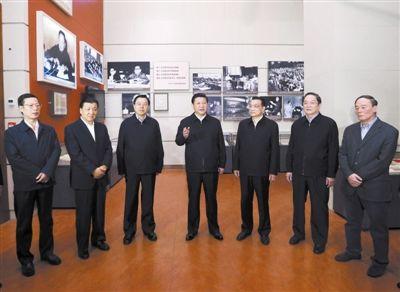 中国国家领导人合影图片大全 党和国家领导人会见全体与会代图片