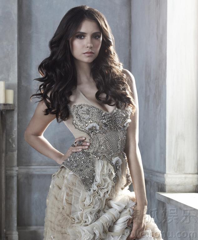 《吸血鬼日记》热播 Elena上演少女变身记组