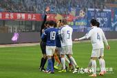 中超图:申鑫0-1申花 主裁判向徐文出示红牌