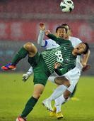中超图:杭州绿城3-1富力 高迪比赛中拼抢