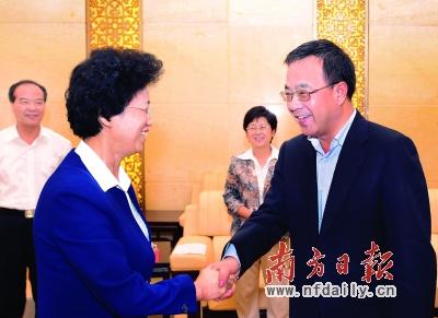 胡春华会见全国妇女联合会党组书记宋秀岩(图)