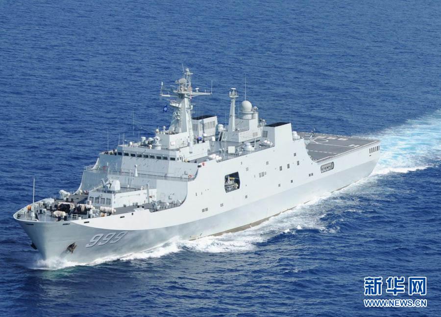 航行中的999舰.新华军事记者 白瑞雪