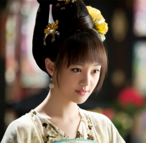 郑爽,生日:1991年8月22日,院校:北京电影学院07级表演系本科班,民族