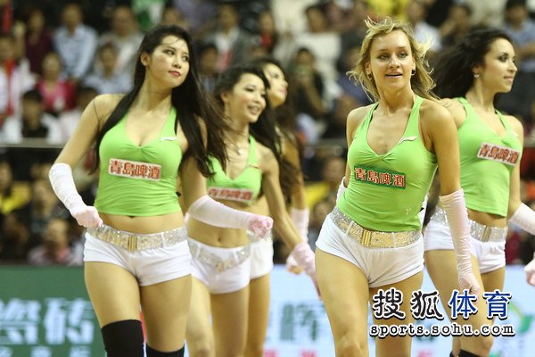 组图:广东篮球宝贝性感热舞 600