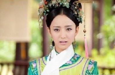 宫 年素言 (佟丽娅)