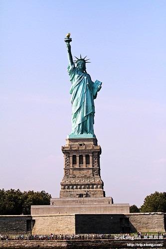 乘船观赏自由女神像