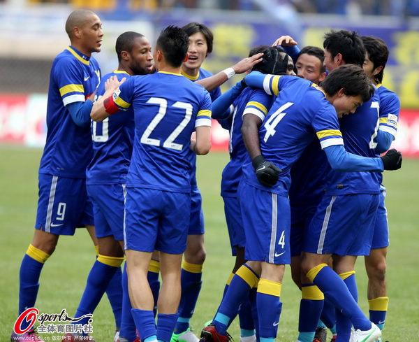 中超图:阿尔滨3-3东亚 阿尔滨庆祝