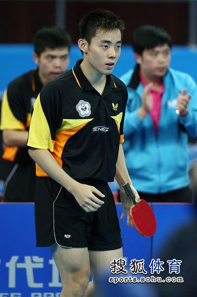 图文:中国男团夺世界杯冠军 陈建安赛场瞬间