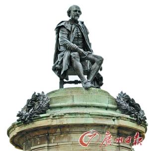 莎士比亚在老家埃文河畔斯特拉特福的雕像.