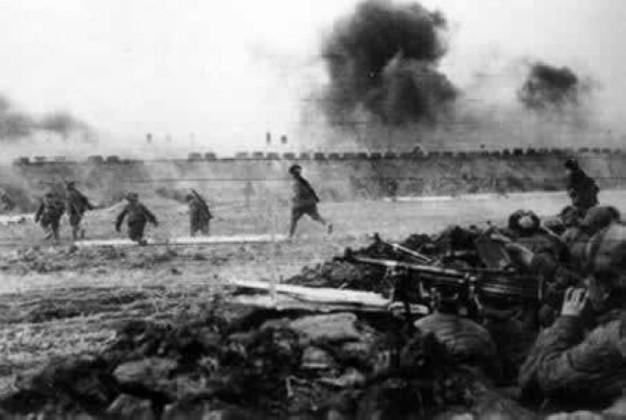 克济南作战中的解放军战士 -鲜为人知的解放军逃兵通知书