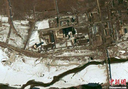 资料图:朝鲜宁边核设施卫星图。