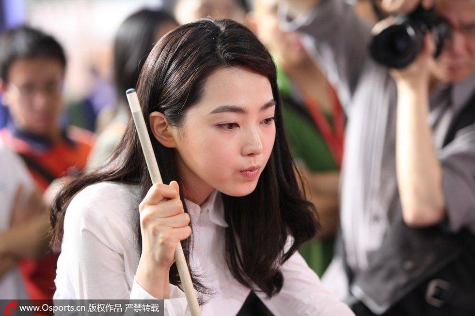 韩国台球第一美女现身 车侑蓝嘟小嘴卖萌组图